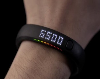 The Nike Fuelband measures physical activity and helps the user achieve their fitness goals. - NATIVE VML