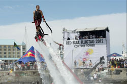 Team #BullsEye wins Red Bull Flugtag