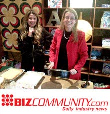 Bizcommunity editor-at-large Simone Puterman (R) last year at an industry event. Pic: R Fagri.