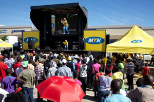 Zinto's team of talented brand activators paint Polokwane 'Y'ello'