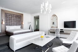 A vast suite in white and grey tones.