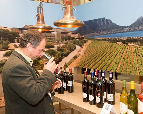 Cape Legends stand out at Cape Wine 2015