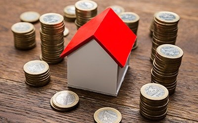 Ask the experts: How will the weak rand affect property?
