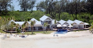 Thanda Island - Villa Outside
