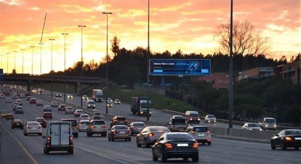 Primedia Outdoor 39 S New Digital Billboard Lights Up South Africa 39 S Bus