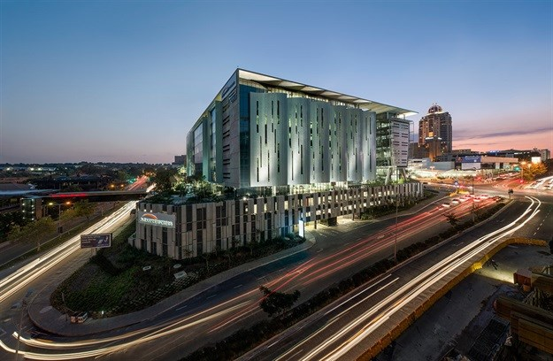 Alexander Forbes headquarters in Sandton designed by Paragon Architects and Paragon Interface. Winner in the built work category at the 2014 AfriSam South African Institute of Architects Award for Sustainable Architecture.