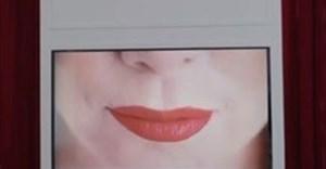 McCann Mexico, L'Oréal Paris campaign allows colour-blind men to see lipstick red