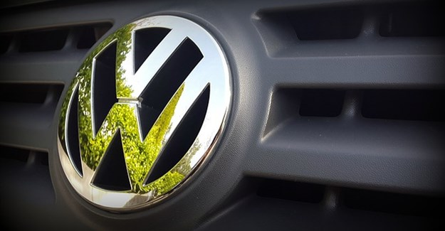 Volkswagen gets approval to fix emissions software