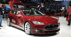 Tesla denies pressuring customers to hush up complaints