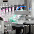Compliant self-labelling systems for the pharmaceutical industry
