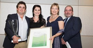From left to right: JP van den Berg and his wife Linné; Sanette Thiart, Managing Director, Potato Certification Service, and Hennie van der Westhuizen, Business Manager Central, Bayer