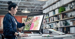 Microsoft aims at Apple with high-end PCs, 3D software