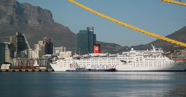 Peace Boat in Cape Town 2015-16