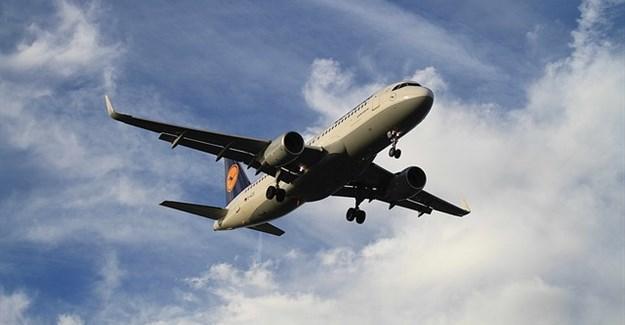 Lufthansa cancels almost 900 flights over pilot strike