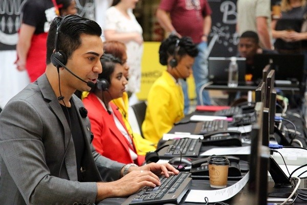 Mo Magic joined a line-up of sports and entertainment celebrities who helped man the pledge lines during the 12 hour marathon outside broadcast and telethon.