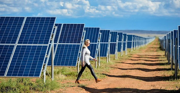Utility distorts facts about renewable energy, group claims