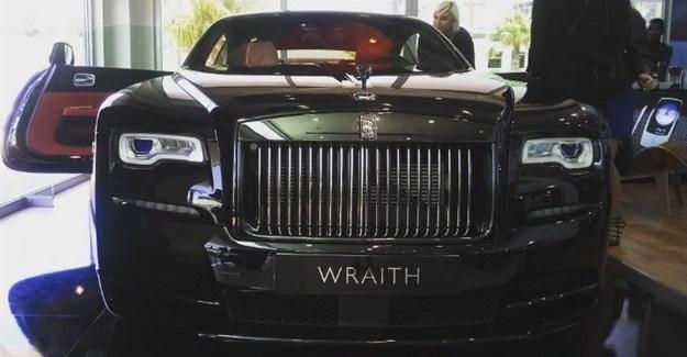 Black Badge revealed at new Rolls-Royce pop-up