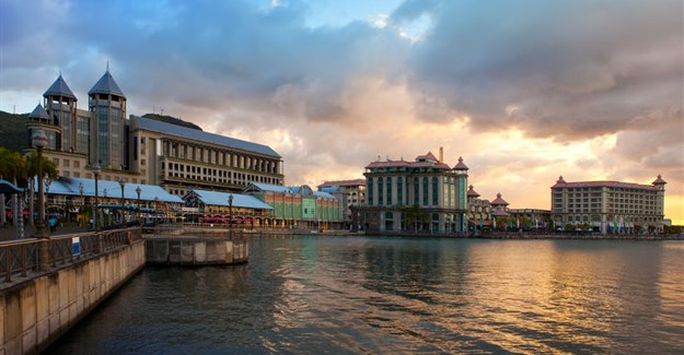 Port Louis ©Konstantin Kulikov via