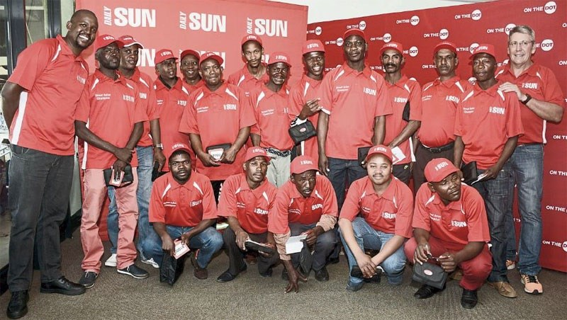 Champion street sellers with Reggie Moalusi (Daily Sun) and Andre Van Tonder (On the Dot). On the Dot top 20 street sellers are: Lukhanyo, Nonkotamo, Ernest Moehi, Charles Klip, Chicco Mondlane, Nelson Naice, Simon Taaibosch, Nathan Amstredam, Eric Dlamini, Tshepo Mahlophe, Leonard Rametsi, Josta Modlane, Peter Makgoda, Solly Mogare, Kabelo Mosikari, Maqele, Magogo, Dickson Fumu. (Please note that list of names is not according to the picture above, three sellers were unable to attend).