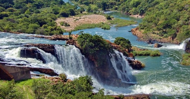 High level water panel meets in SA