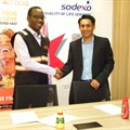 Jumia Food managing director, Duncan Muchangi, with Sodexo Kenya CEO Neil Ribiero, during the signing of the partnership.