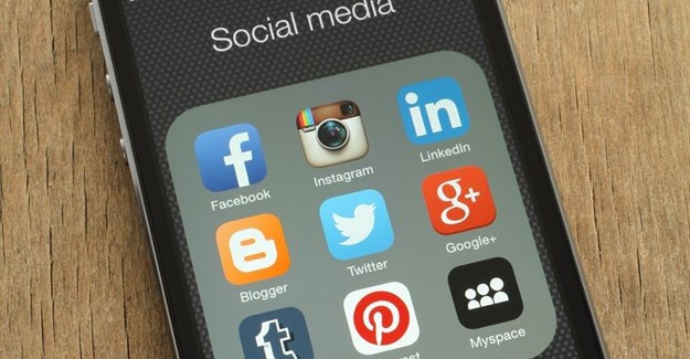 Social media and its role in investor relations