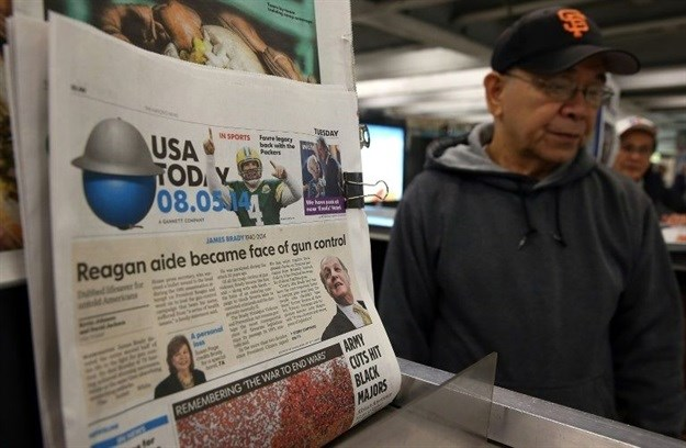 US newsstands are increasingly rare as readers turn to online platforms for information |