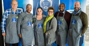 The panel of judges for the 2017 Standard Bank/Chenin Blanc Top 10 Challenge: Richard Kershaw MW (winemaker), Tinashe Nyamudoka (sommelier, Test Kitchen), Lauren Buzzeo (managing editor and tasting director, Wine Enthusiast), Cathy van Zyl MW (chair), Marlvin Gwese (associate judge; sommelier, Cape Grace), and James Pietersen (retailer, Wine Cellar)