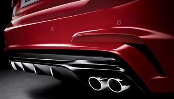 Flagship Hyundai Elantra: Comfortable sedan with zippy performance