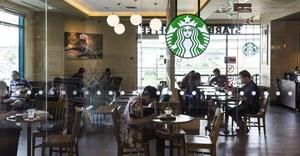 Bucking retailer trend, Starbucks shuts online store
