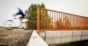 Dutch open 'world's first 3D-printed concrete bridge'