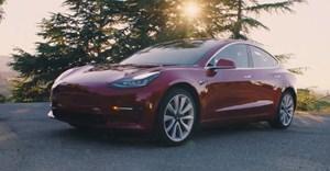 Tesla biggest quarterly loss, pushes back Model 3 volume production