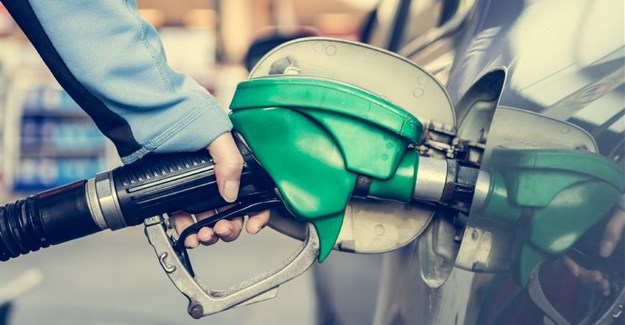 Fuel costs car buyers more than firms say