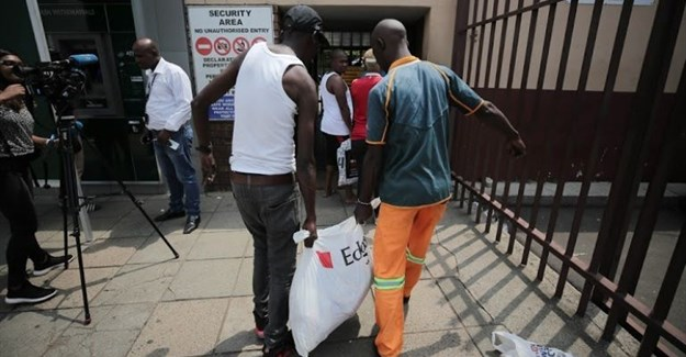 Customers queue to return meat to the Enterprise factory store in Germiston, east of Johannesburg, on 5 March 2018. Image: Alaister Russell/The Sunday Times