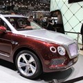 When not tapping into the turbocharged 3.0-liter V6, the Bentayga Hybrid offers 31-mi (50-km) electric-only range (Credit: C.C. Weiss/New Atlas)
