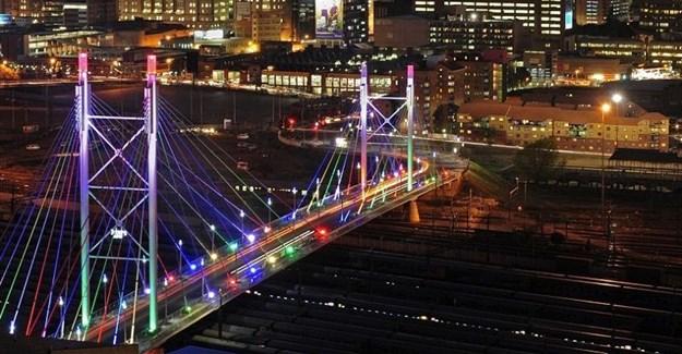 Nelson Mandela Bridge. Image: