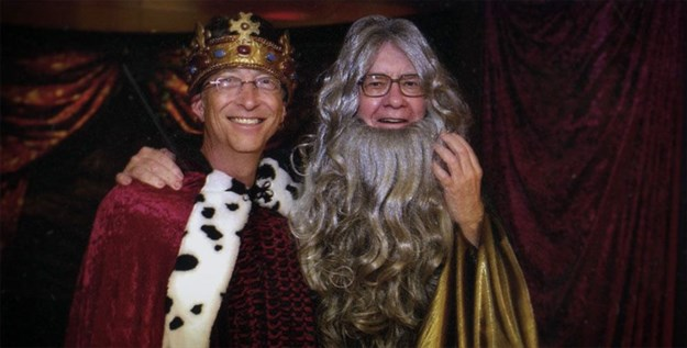Bill Gates and Warren Buffett dressing up. Image: HBO