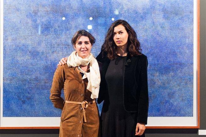 Smith-JuneOpening2015-6- Amy Ellenbogen and Marsi van de Heuvel